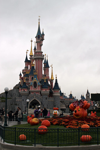 Halloween in front of the castle