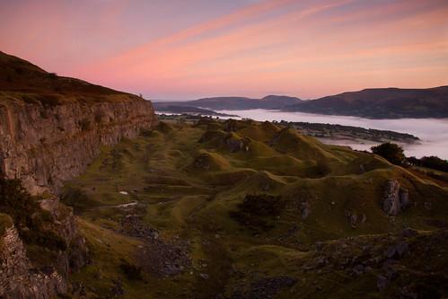 cliff mist mountain wales sunrise usk