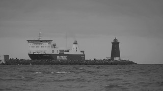 Ship coming in to Poolbeg
