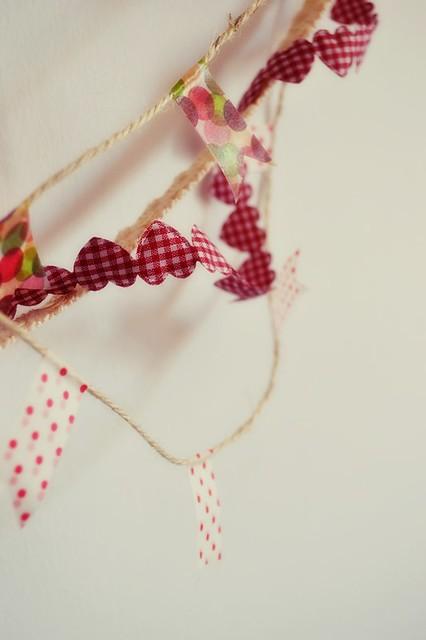 como hacer una guirnalda con washi tape y otros materiales (6)