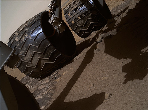 CURIOSITY sol 60 MAHLI dent on wheel