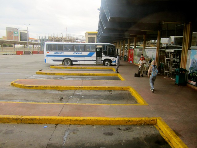 bus-station-in-ecuador