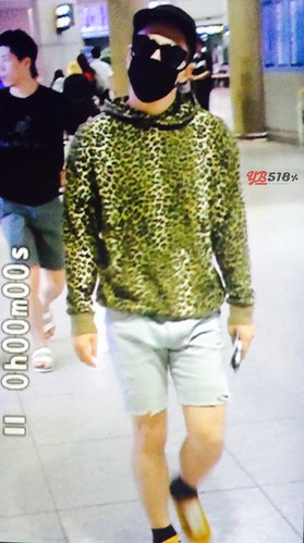 Big Bang - Incheon Airport - 26jul2015 - YB 518 - 02