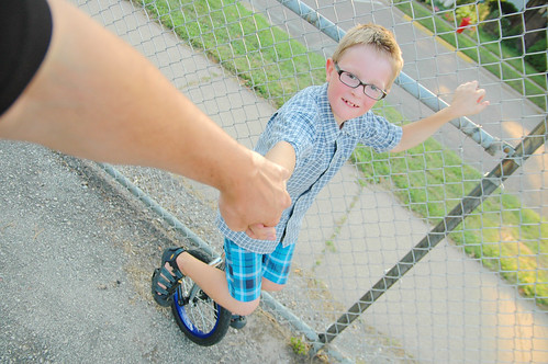 day 2979: first day of unicycle lessons! III.