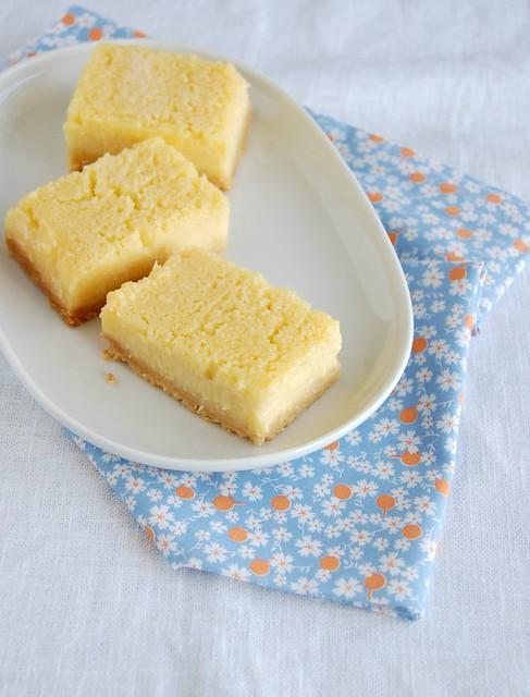 Melt and mix lemon bars / Barrinhas de limão siciliano do Bill