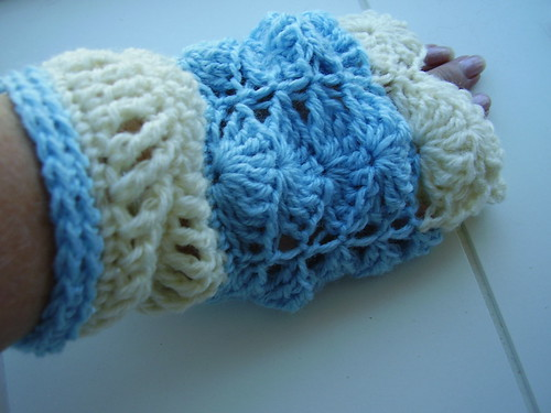 Glam it up Wrist warmers by CrocKnits