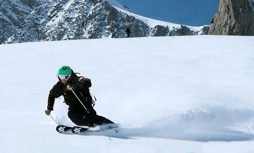 Mark skiing