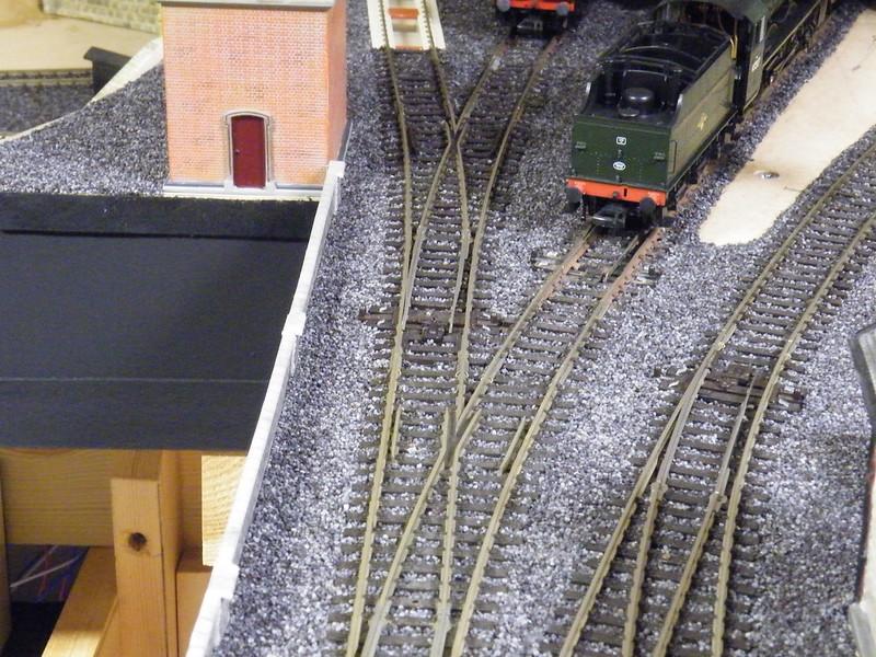 Close to the edge? - Layout & Track Design - RMweb