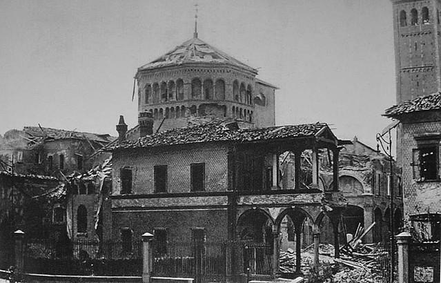 Sant'Ambrogio nel '43 dopo i bombardamenti
