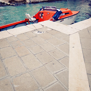 la barca arancia / the orange boat