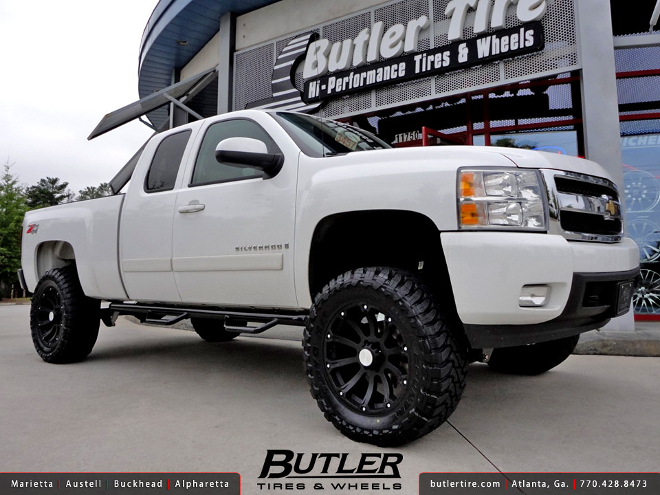 Chevy Silverado 1500 with 20in Black Rhino Sidewinder Wheels