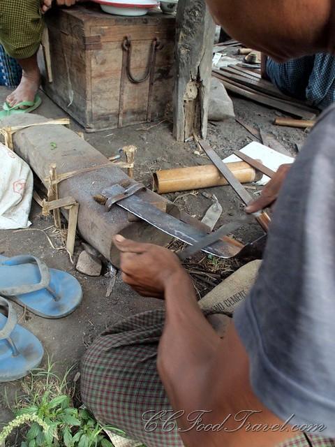 Metalsmith sharpening knives