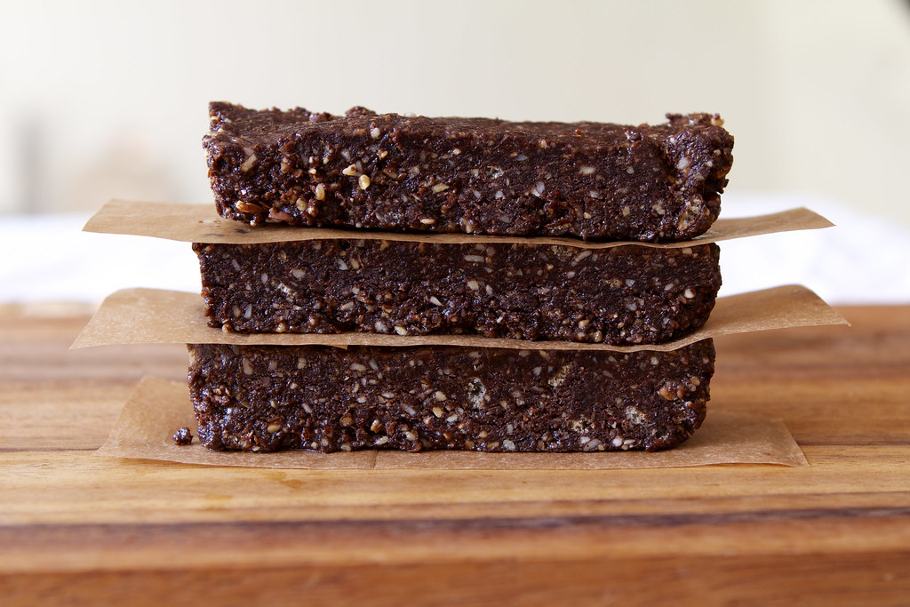 Almond butter & Carob Energy Bar