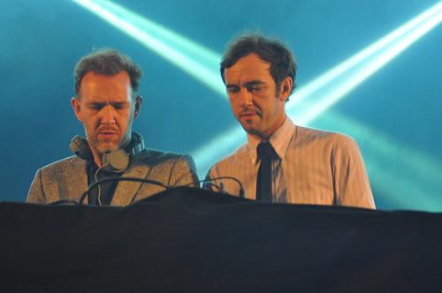 2 Many DJs by Pirlouiiiit 29092012