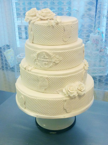White Maltesse Wedding Cake by CAKE Amsterdam - Cakes by ZOBOT