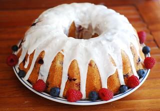triple berry bundt cake blueberry, raspberry, blackberry 4