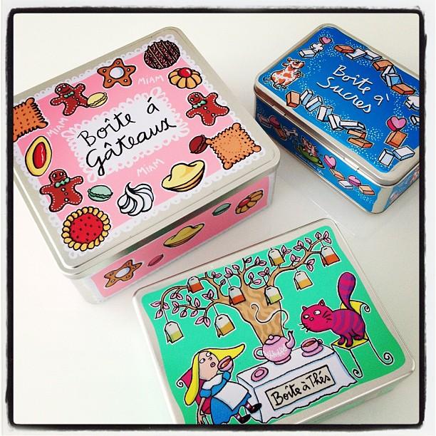 Ma quanto saranno belle le scatole di latta di Derrière La Porte?