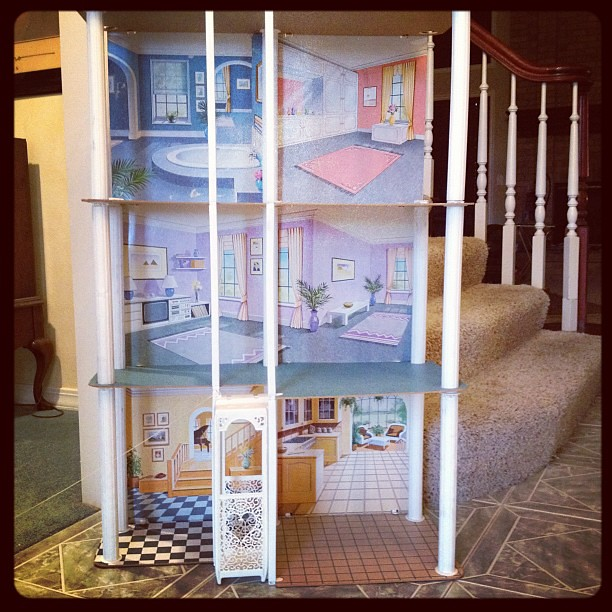 Barbie Townhouse with Elevator
