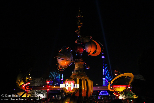Tomorrowland by night