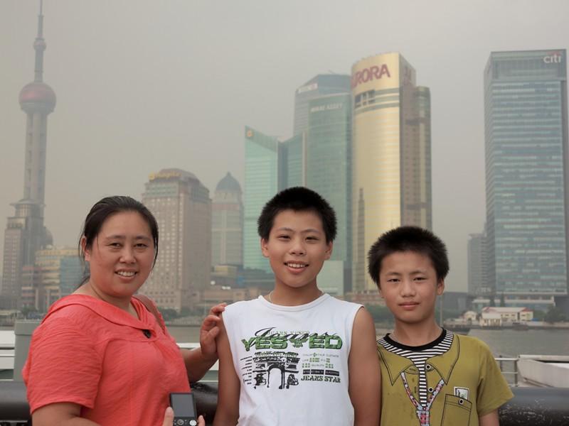 Chinois prenant la pose sur le Bund