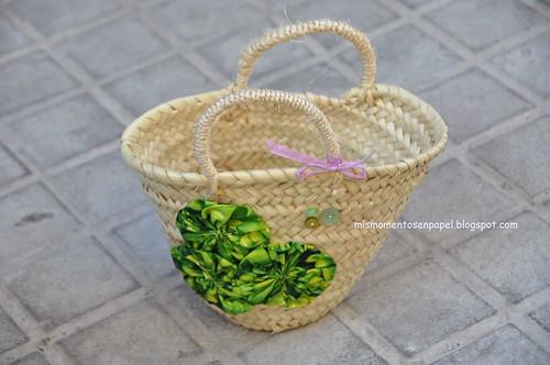 mini cesto de paja para niñas