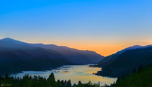 sunset water river washington nikon columbiariver wa washingtonstate columbiagorge whitesalmon d800e