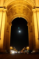 Arc de Triomphe moonrise