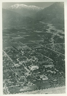 Aerial view of the Pomona College campus in 1947