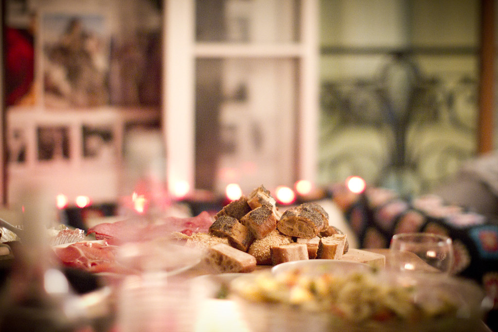 parisian_dinner_party_2