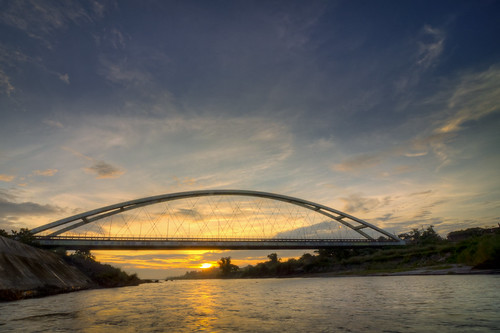 bridge sunrise river landscape arch philippines nielsen tarlac bamban tokina1116 bambanbridge nielsenbridge pwpartlycloudy