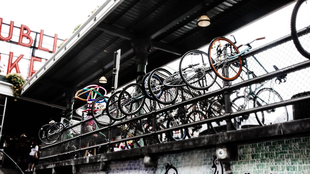 Row of Bikes [EOS 5DMK2 | EF 24-105L@35mm | 1/60s | f/11 | ISO400]