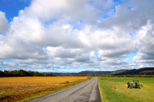 tractor farm hills johndeere onondagany