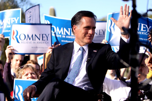 Romney_2011_Paradise_Valley,_AZ_rally