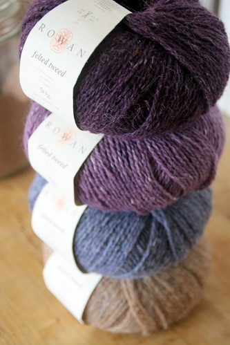 could not resist to buy yarn for the GIRL!! i am expecting.