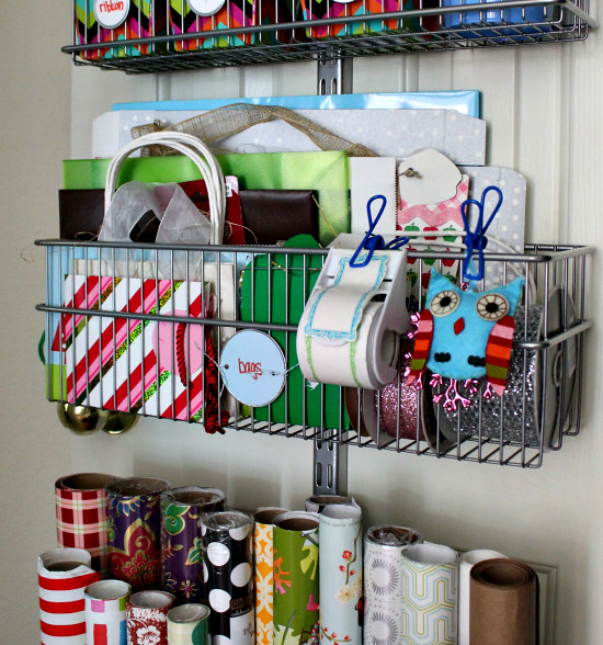 hi sugarplum gift wrap station