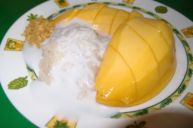 Must Try Bangkok Food: Mango Sticky Rice. Looks Delicious