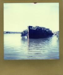 INSTANT- SHIPWRECK