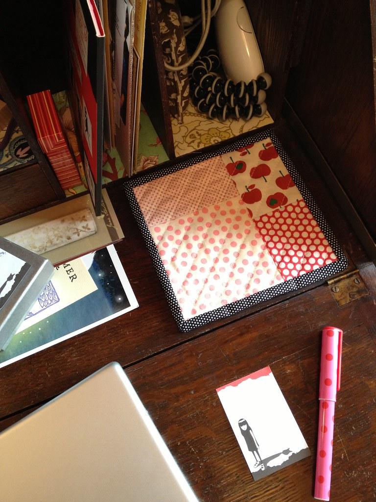 Desktop mug rug