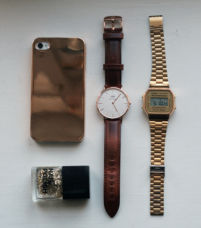 IDKUVA daniel wellington, casio watch, golden iphone case, glitter nailpolish