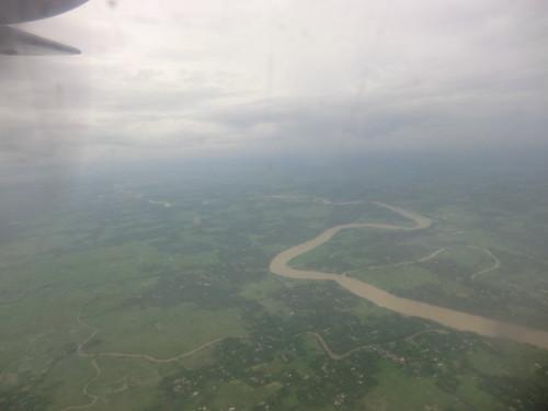 ダッカからチッタゴンへの空の旅