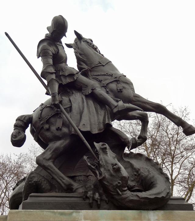 640 st george statue