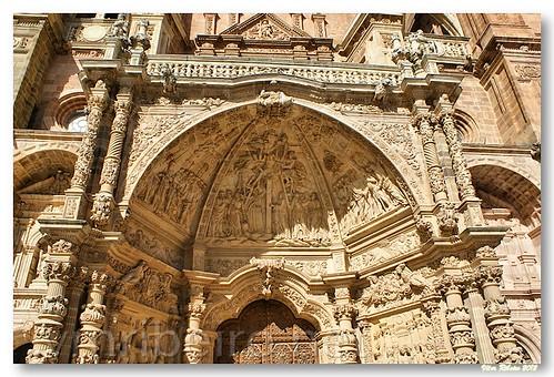 Detalhe da fachada da catedral de Astorga by VRfoto