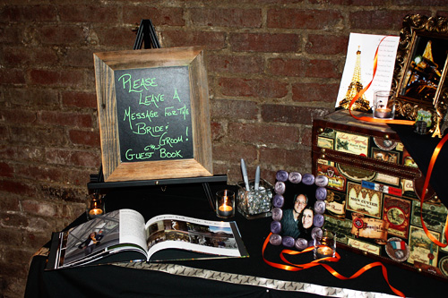 Guest-book-table