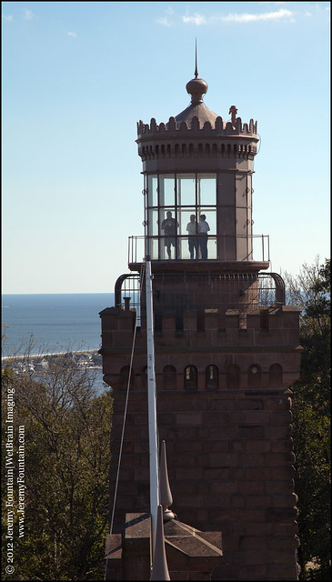 Twin Lights Lighthouse (1862)