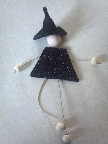 IC 21 - Felt witch
