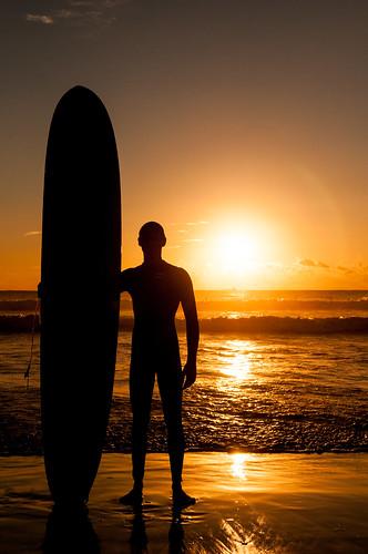 [フリー画像素材] スポーツ, ウォータースポーツ, 朝焼け・夕焼け, サーフィン・サーファー, 人物 - 海, シルエット ID:201211011800
