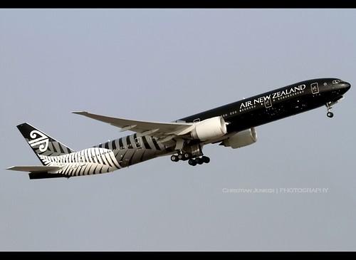 B77W - Boeing 777-319(ER)