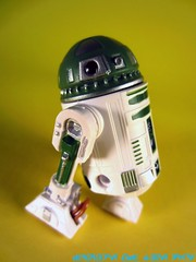 Green R9 Series Astromech Droid