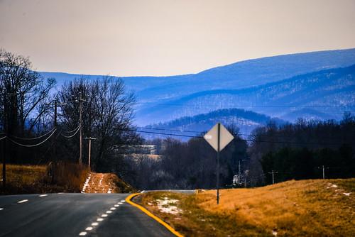 from blue usa mountain mountains landscape virginia us highway unitedstates ridge va appalachian shenandoah blueridge 211 amissville