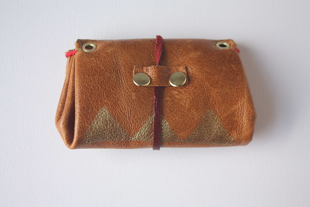 Arwen mini wallet on chain (back)